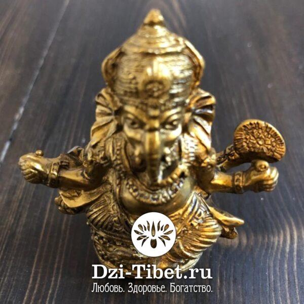 Лакшми-богиня, приносящая изобилие, материальные блага, удачу.